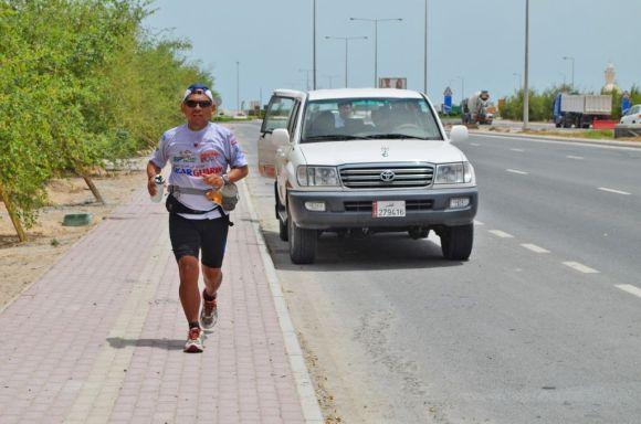 Qatar_Cesar followed by a support vehicle
