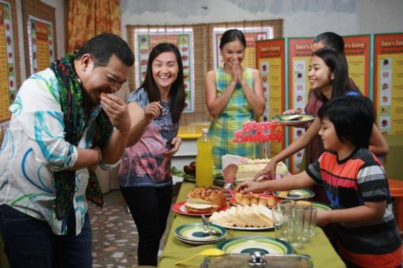 Allan K, Gladys Reyes and Julia Clarete in Ilaw ng Kahapon