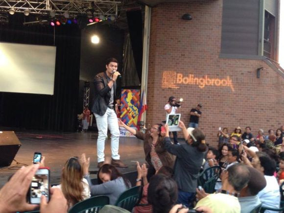 Dingdong Dantes in Bolingbrook, Illinois
