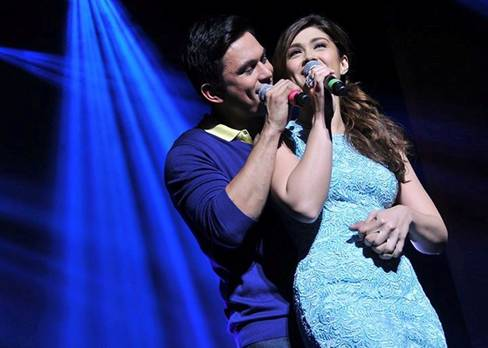 Kapuso leading man Tom Rodriguez and his onscreen partner Carla Abellana gave the crowd an exhilarating show. (photo courtesy of Sthanlee B. Mirador)