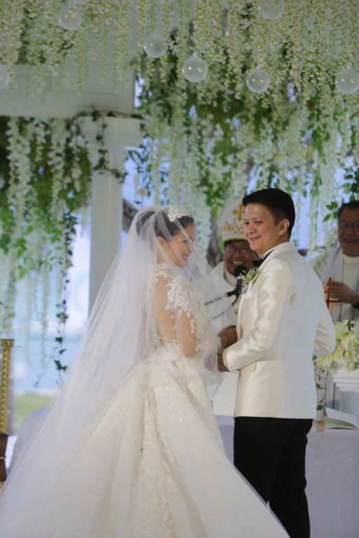 The newlyweds Chiz and Heart