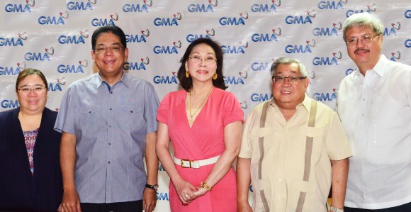 (L-R) GMA Network SVP for News and Public Affairs Marissa L. Flores,  President and COO Gilberto R. Duavit, Jr., GMA News pillar and multi-awarded news anchor Mel C. Tiangco, Chairman and CEO Felipe L. Gozon, and EVP and CFO Felipe S. Yalong