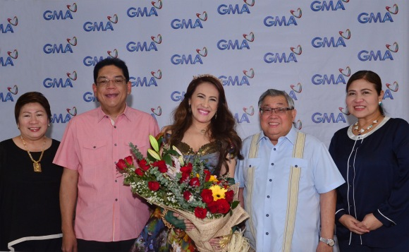 Ai-Ai delas Alas' Contract Signing