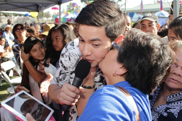 Alden Richards with the PIDC Carson crowd 2