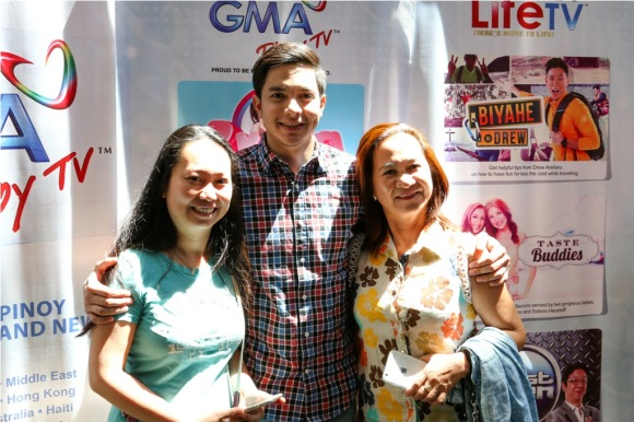 Alden with his kababayans at the Pagdiriwang 2015 in Seattle 2