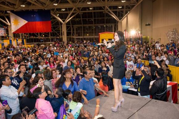Heart Evangelista was given a warm welcome by Filipino-Canadians at the Pinoy Fiesta and Trade Show sa Toronto