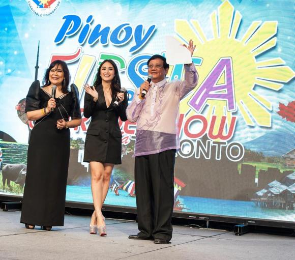 Heart together with the hosts of the Pinoy Fiesta and Trade Show sa Toronto