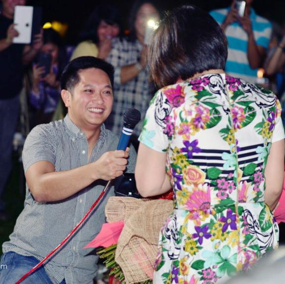 VJ Yambao proposes to Camille Prats